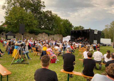 Zuschauer auf Klosterwiese